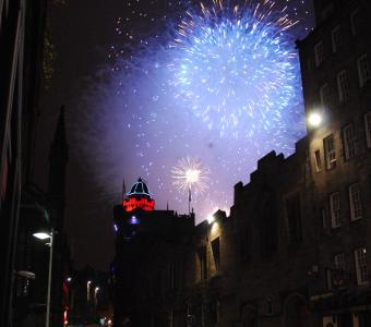 hogmanay scotland fireworks